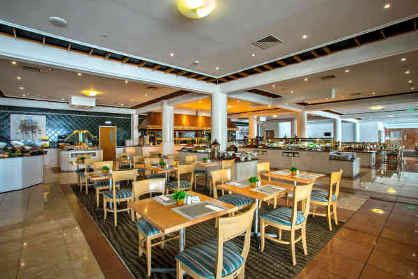 Leonardo Cypria Bay - Blue Horizon Restaurant